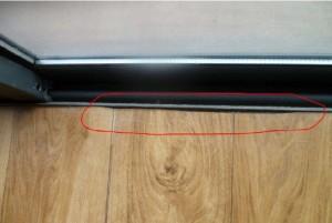 地板裁割有问题,局部边缘明显可见不平整